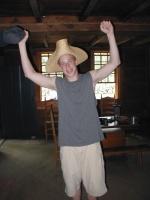 06 Larry & Hat