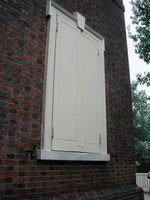01 Shutters with side hooks